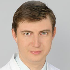 Даминов Роман Оскарович — челюстно-лицевой хирург, оториноларинголог, кандидат медицинских наук.